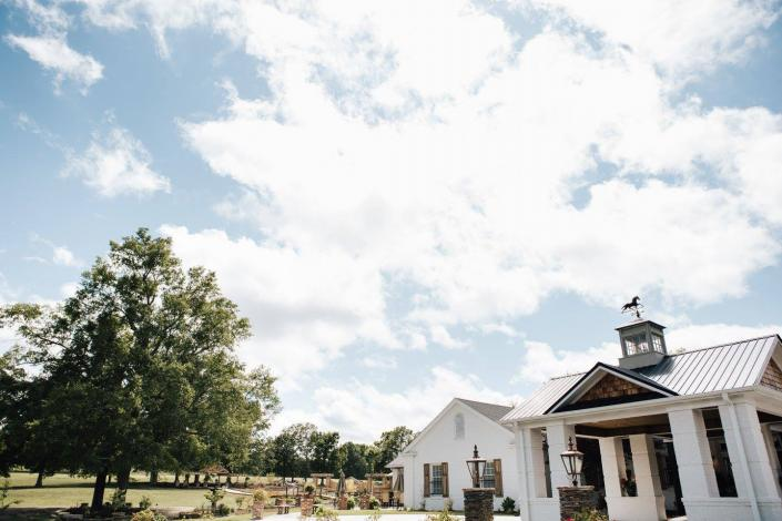 Thank you Amanda Sutton Photography for capturing this great shot of the breathtaking views of our event venue at Thorndale Oaks.